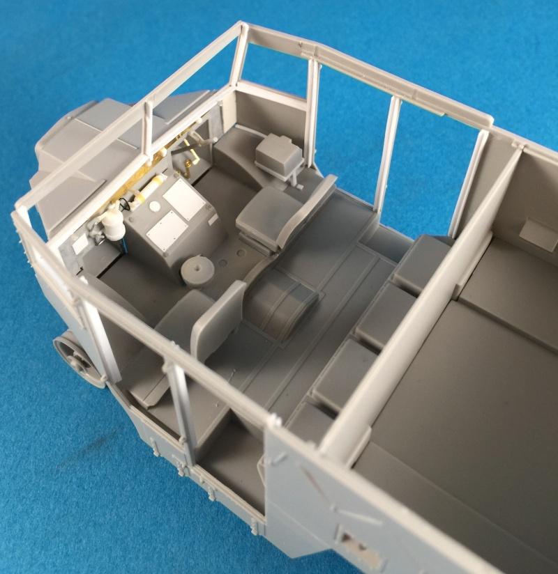 Mirror Models Morris Commercial C8 Quad MkIII No5 body 1/35. Devoirs de vacances Img_2514