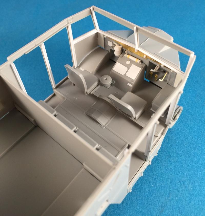 Mirror Models Morris Commercial C8 Quad MkIII No5 body 1/35. Devoirs de vacances Img_2515
