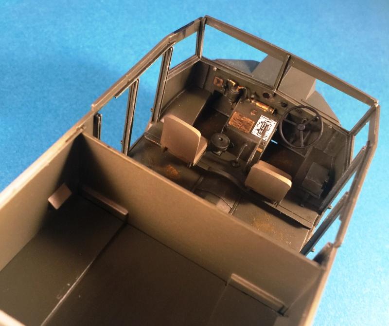 Mirror Models Morris Commercial C8 Quad MkIII No5 body 1/35. Devoirs de vacances Img_2611