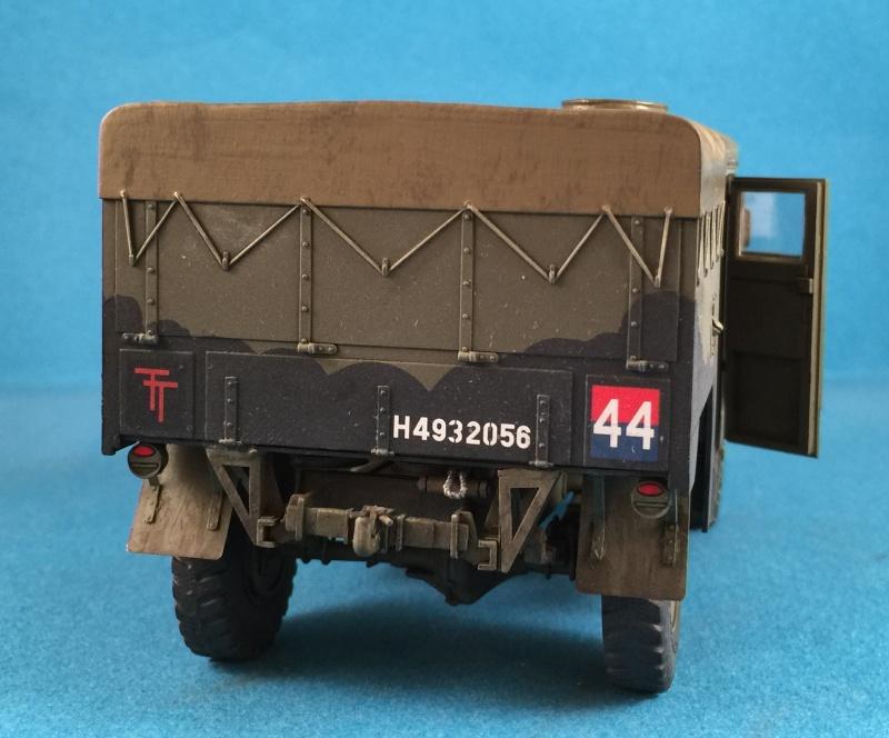 Mirror Models Morris Commercial C8 Quad MkIII No5 body 1/35. Devoirs de vacances Img_2618