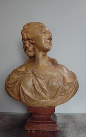 A vendre: bustes de Marie Antoinette? - Page 2 10581110