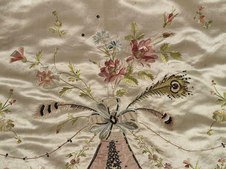 les robes à panier de Marie-Antoinette Dca2ce10