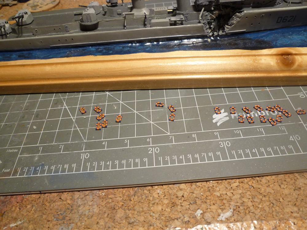 Escorteur d'escadre Surcouf  Heller 1/400 + L'ARSENAL  - Page 5 E_e_su11