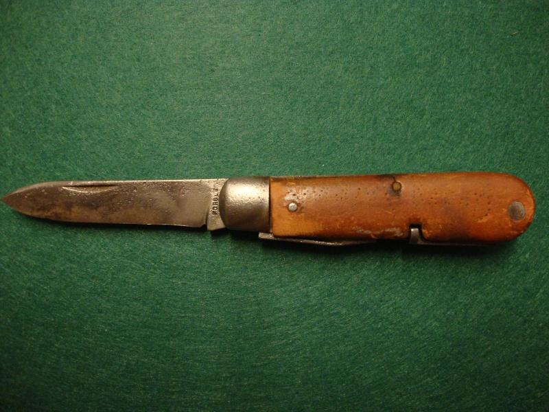 Couteaux de Soldat et Couteaux Officier Suisses. Dsc04910