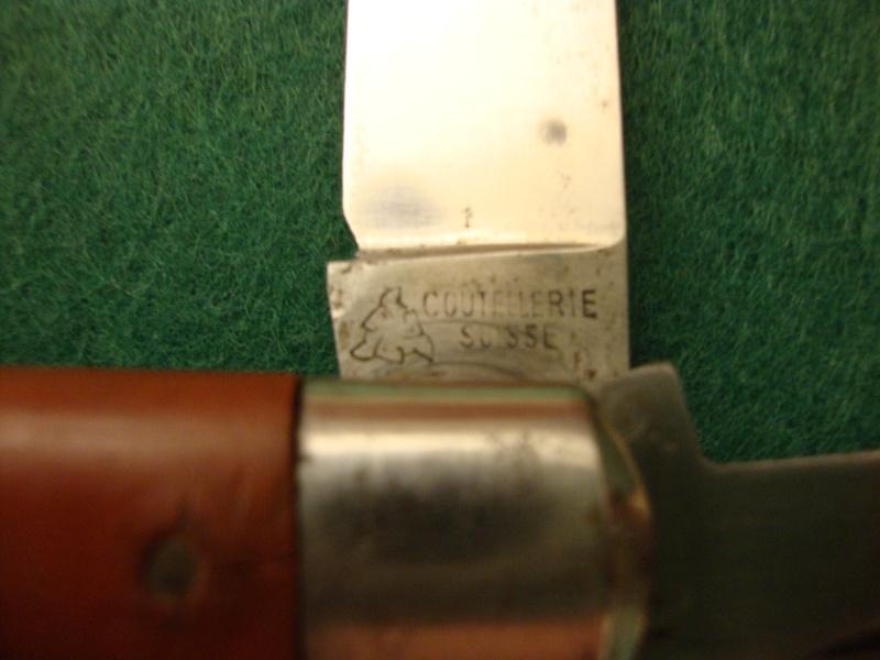 Couteaux de Soldat et Couteaux Officier Suisses. Dsc04915