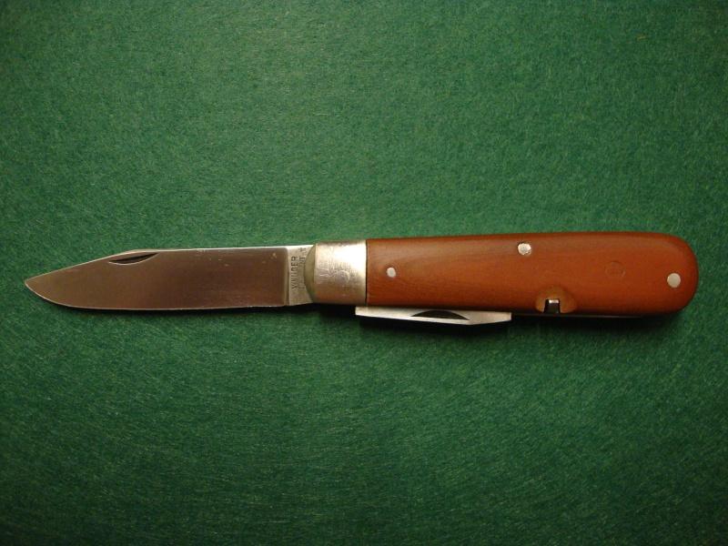 Couteaux de Soldat et Couteaux Officier Suisses. Dsc04917