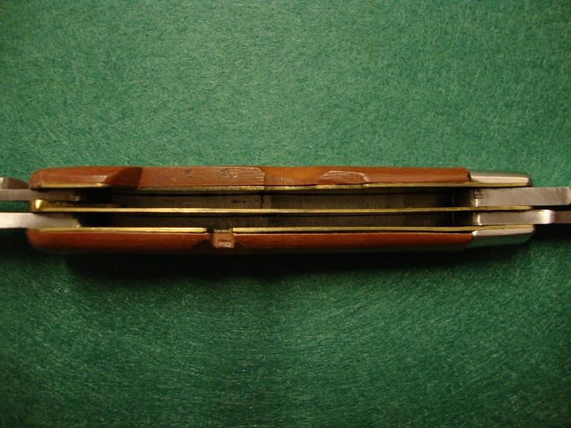 Couteaux de Soldat et Couteaux Officier Suisses. Dsc04918