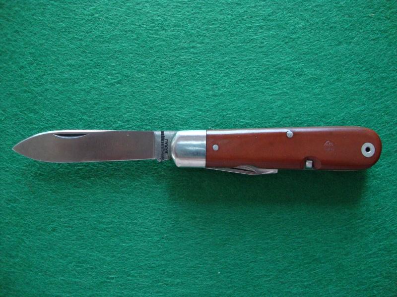 Couteaux de Soldat et Couteaux Officier Suisses. Dsc04919