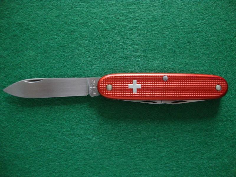 Couteaux de Soldat et Couteaux Officier Suisses. Dsc05012