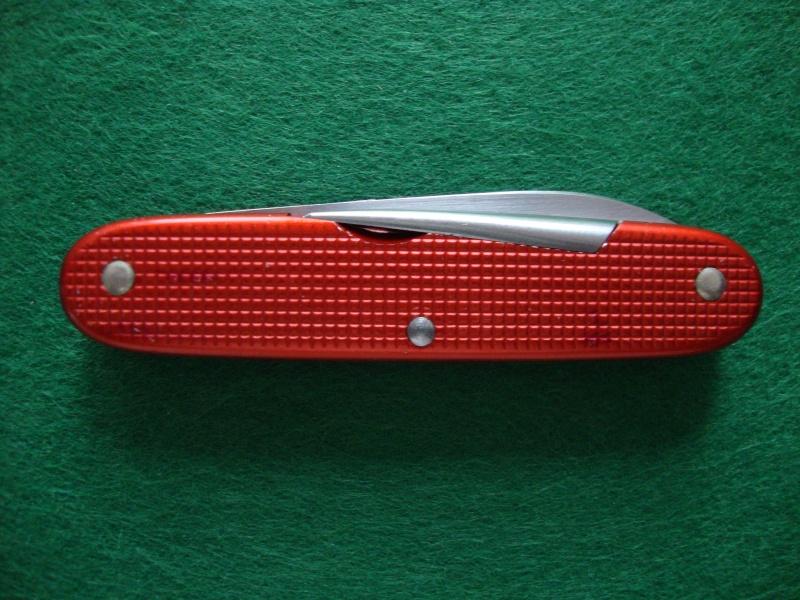 Couteaux de Soldat et Couteaux Officier Suisses. Dsc05013