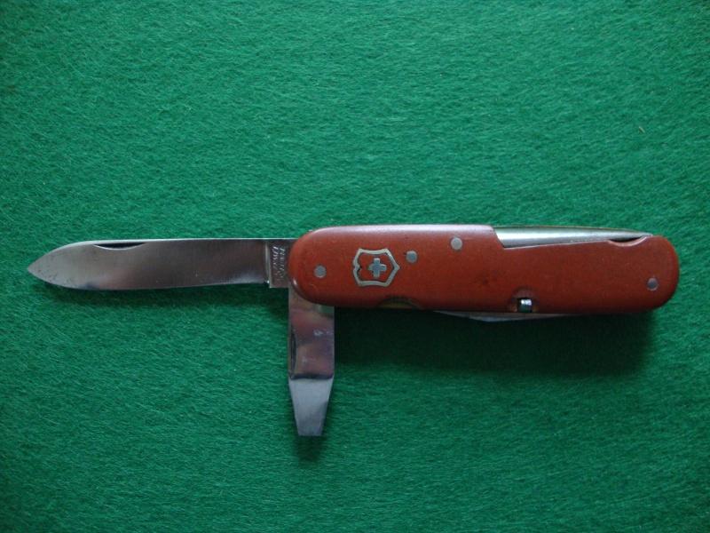 Couteaux de Soldat et Couteaux Officier Suisses. Dsc05110