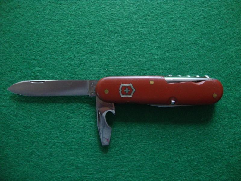 Couteaux de Soldat et Couteaux Officier Suisses. Dsc05111