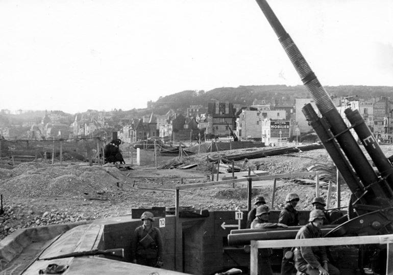 quelques photos du HAVRE pendant l'occupation.. 12111910