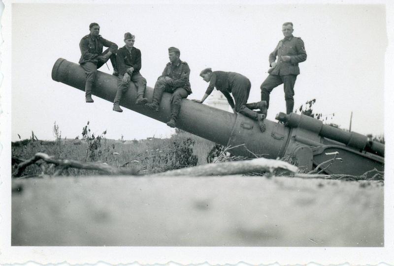 quelques photos du HAVRE pendant l'occupation.. Batter10