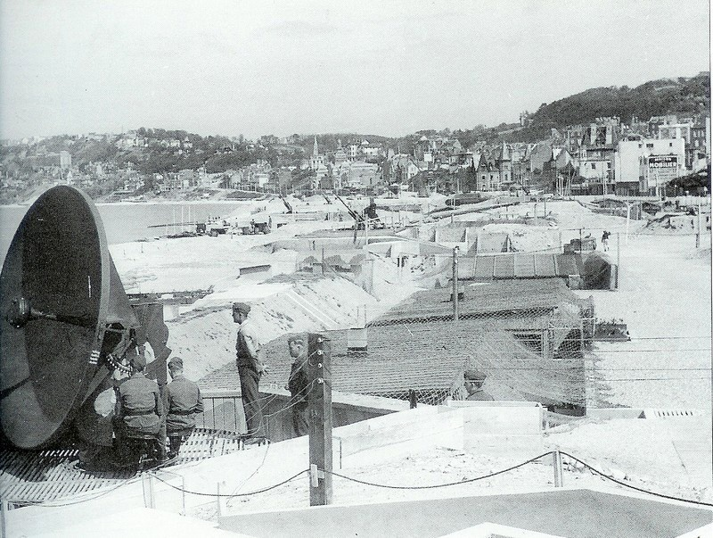 quelques photos du HAVRE pendant l'occupation.. Radar_10