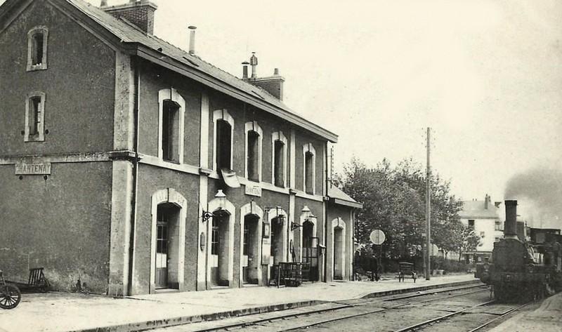 L'ARRIVÉE DU CHEMIN DE FER ET LES GARES Gare-c10