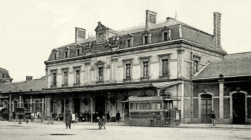 L'ARRIVÉE DU CHEMIN DE FER ET LES GARES Gare-e10