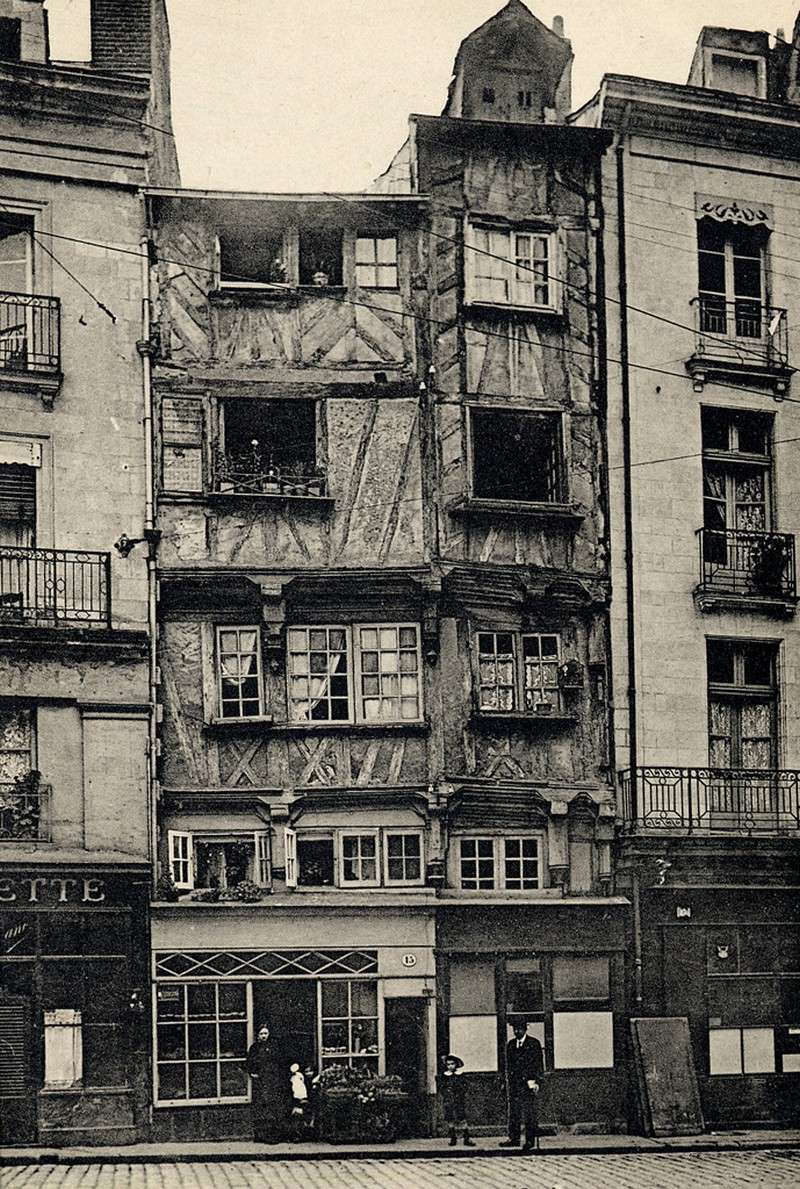MAISON PITTORESQUE DU XIV EME SIECLE Maison10