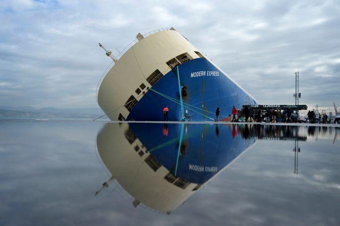 Cargo en detresse dans le Golfe de Gascogne... Image11
