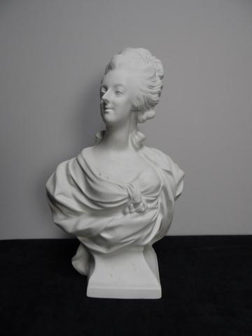 A vendre: bustes Marie Antoinette - Page 4 10351710