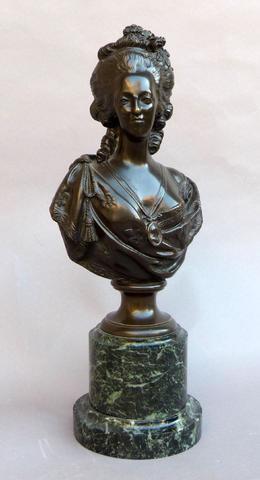 A vendre: bustes Marie Antoinette - Page 4 21575210
