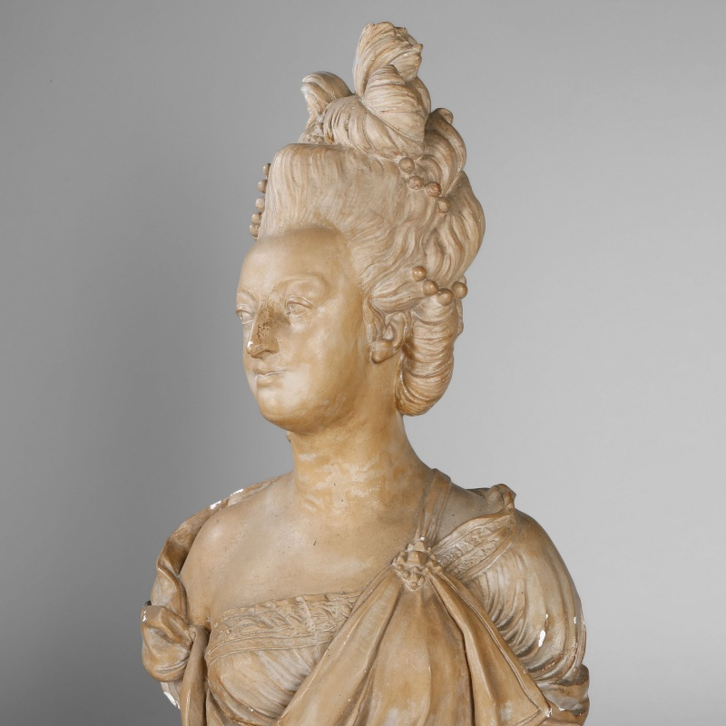 A vendre: bustes Marie Antoinette - Page 4 2500x212