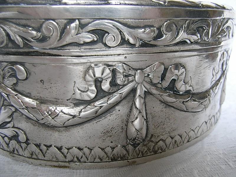 A vendre: meubles et objets divers XVIIIe et Marie Antoinette - Page 5 805_410