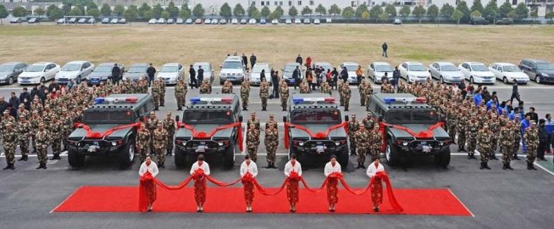 Humvee : La grosse brute est de retour ! 7pbgsd10