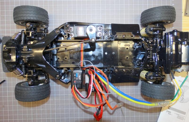 VW Käfer mit M-06 Chassis  von Tamiya Dsc01834