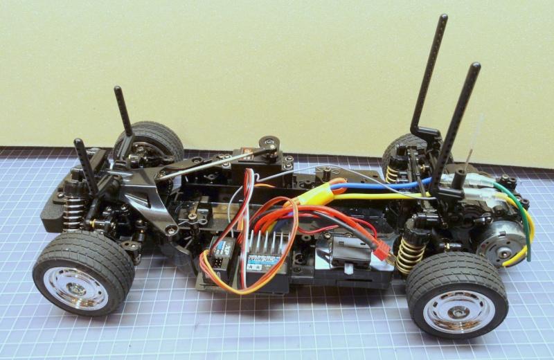 VW Käfer mit M-06 Chassis  von Tamiya Dsc01915