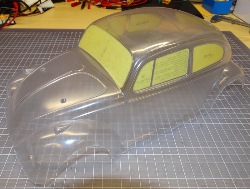 VW Käfer mit M-06 Chassis  von Tamiya Dsc02036
