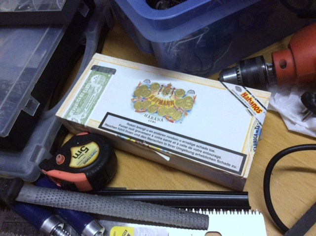 CBG: The cigarbox guitar Img_1514