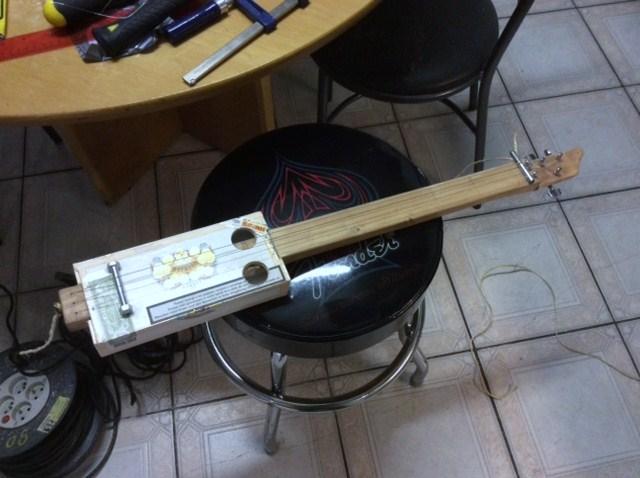 CBG: The cigarbox guitar Img_1523