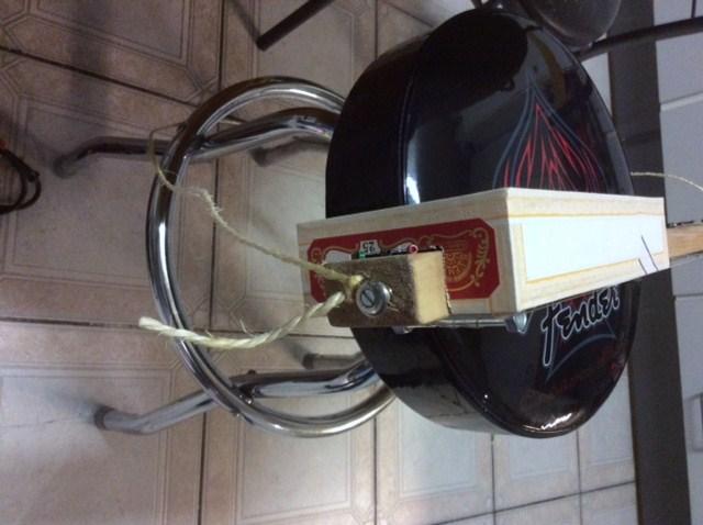 CBG: The cigarbox guitar Img_1524