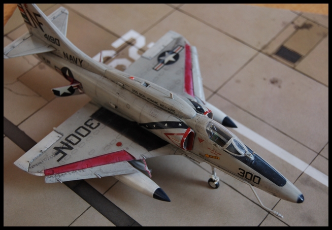 A-4 F de Hasegawa au 1/48e - Page 2 Skyhaw10