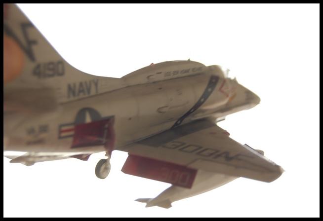 A-4 F de Hasegawa au 1/48e - Page 2 Skyhaw20