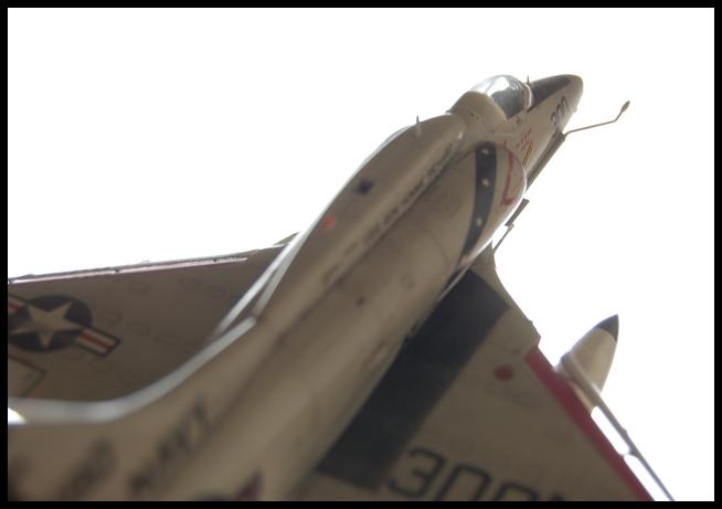 A-4 F de Hasegawa au 1/48e - Page 2 Skyhaw22