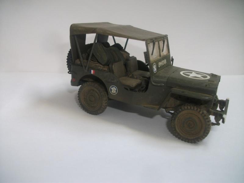 Les restes sont finis Jeep 2eme DB 1/35 mélange Italeri , Heller ,Tamiya 01112
