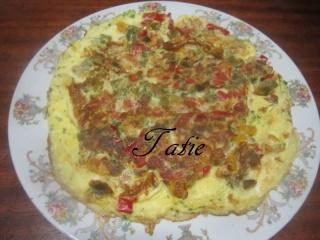 Omelette aux poivrons tricolores. 12313610