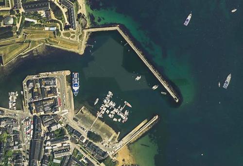 Groix: feux du port Tudy Ptplai10