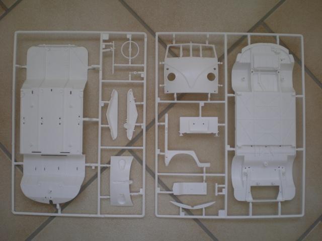 Volkswagen T1 SAMBA BUS REVELL 1:16 Imgp0115