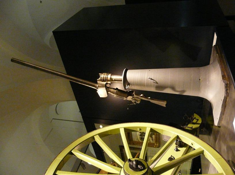 le premier canon anti aerien  Ballon11