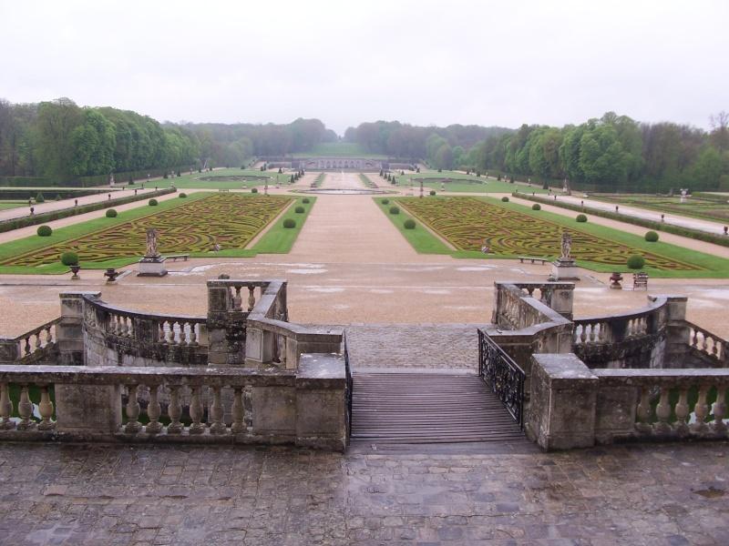 visite au chateau a  pieds  c'est loin 83710