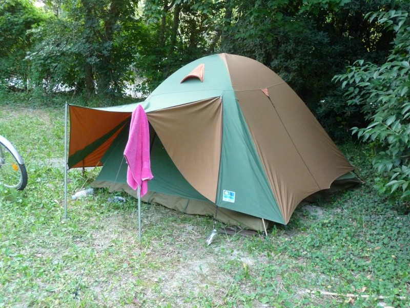 CHAMONIX - tentes vues cette année au camping P1000611
