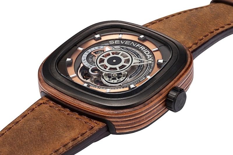 Une montre en bois... originale Sevenf10