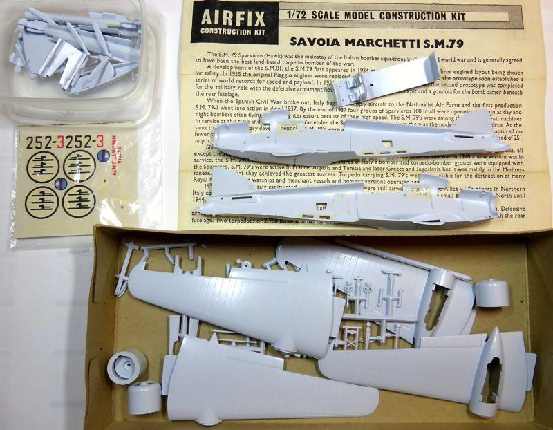 [Airfix] Savoia-Marchetti SM-79 vintage de 1967 - 1/72 Sm79-010