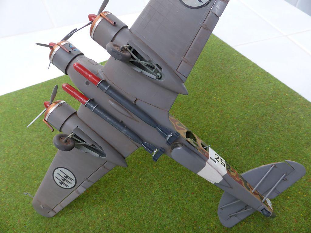 [Airfix] Savoia-Marchetti SM-79 vintage de 1967 - 1/72 Sm79-917