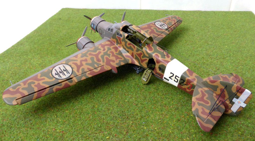 [Airfix] Savoia-Marchetti SM-79 vintage de 1967 - 1/72 Sm79-919