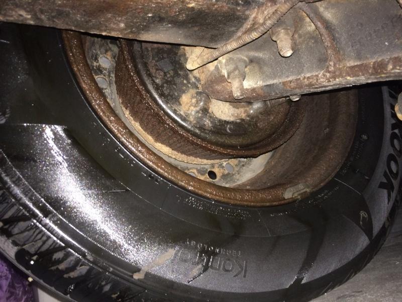 pédale de frein molle et voyant frein allumé Img_0510