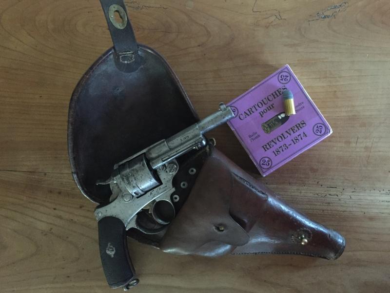 Revolver modèle 1873 et son étui jambon 00210